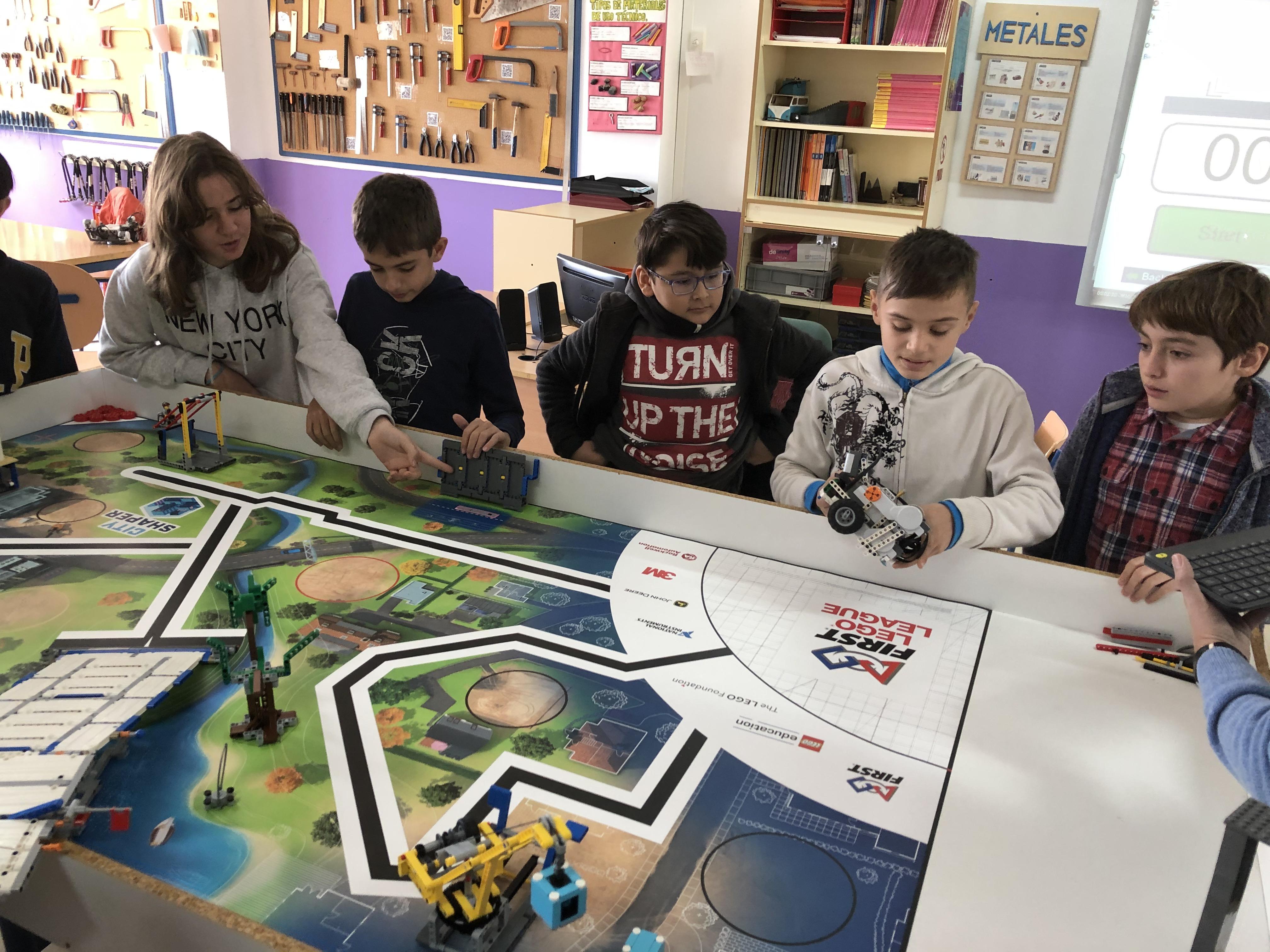 MICRO FIRST LEGO League en IES Ítaca